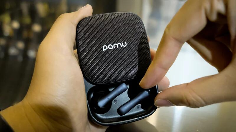 PaMu Slide Earphones That Has A Long Playing Time